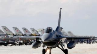 Avioane de luptă turceşti în spaţiul aerian al Greciei! Ce se întâmplă