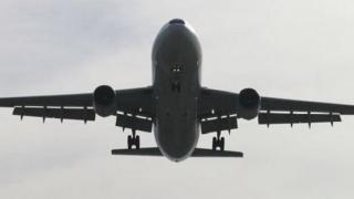 Avioanele de pasageri care încalcă spaţiul aerian al Rusiei ar putea fi doborâte