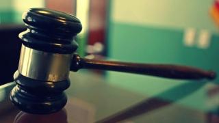"""""""Avocat"""" trimis în judecată pentru exercitare fără drept a unei profesii"""
