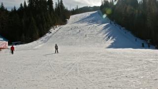 Azuga, prima staţiune de pe Valea Prahovei unde se schiază în acest sezon