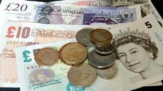 Lira sterlină s-a depreciat uluitor după atentatul din Londra