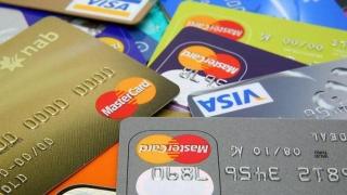 Bani pentru bănci de pe cardul nostru