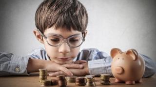 """Banii pentru educație, nici măcar la """"Anu' și la mulți ani!"""""""