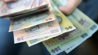 Ce angajaţi de la stat primesc bonusuri DUPĂ PAȘTE și de ce