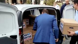 Dan Barna îl atacă pe Iohannis, la depunerea candidaturii