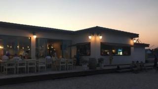 Bătaie între turişti şi ospătari într-un restaurant de fiţe din staţiunea 2 Mai!