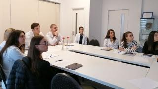 Instruire în domeniul comunicării pentru studenţii mediciniști