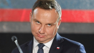 """Polonia va introduce un """"impozit pe supermarketuri"""""""