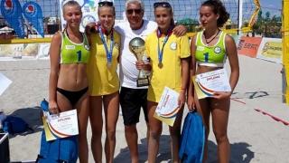 Junioarele constănţene Denisa Dumitru şi Diana Milea, campioane naţionale la volei pe plajă