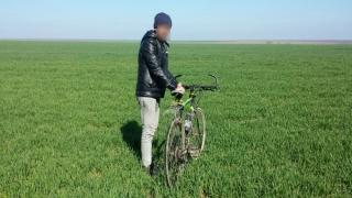 A încercat să treacă fraudulos frontiera cu bicicleta