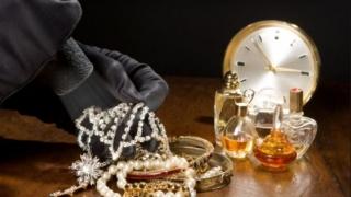 Cum acționau hoții de bijuterii constănțeni în Insulele Canare