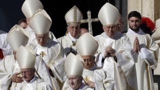 Biserica și-a mărit numărul de sfinți