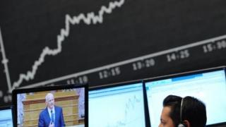 Bursele asiatice au scăzut pentru prima oară într-o săptămână