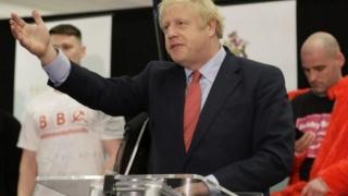 Victorie istorică a conservatorilor conduşi de Boris Johnson
