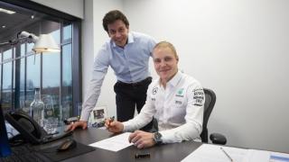 Bottas îl înlocuiește pe Rosberg la Mercedes