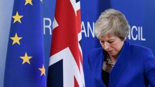 Brexit: Incertitudinile persistă, Guvernul May e în impas