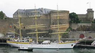 Bricul face spectacol în apele Mării Adriatice
