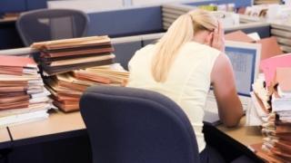 Bugetarii pot lucra până la 70 de ani, dar fără cumulul pensiei cu salariul