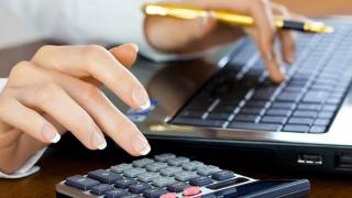 """Ce categorii de bugetari vor lua mai mulţi bani după """"noua"""" lege a salarizării"""