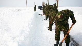 Militarii au intervenit pentru realimentarea electrică a mai multor localități din județ