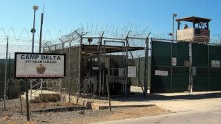 15 deținuți de la Guantanamo, transferați de SUA în Emiratele Arabe Unite