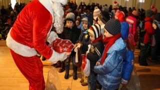 Câți bani vrea să dea Moș Crăciun pentru cadourile preșcolarilor și elevilor