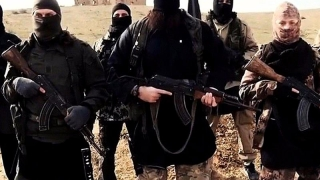 20.000 de uniforme destinate teroriștilor, confiscate în Spania