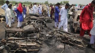 206 morți în urma exploziei unei cisterne! Au încercat să adune combustibilul de pe carosabil