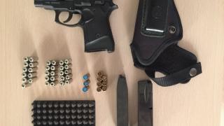 Pistol confiscat din casa unui individ din Mangalia