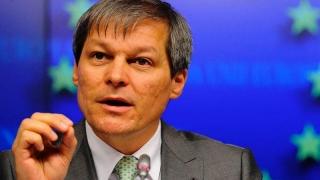Premierul Cioloș jură că nu se înscrie în vreun partid