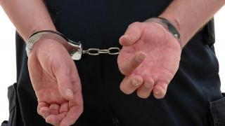 Bărbați condamnați, reținuți de polițiști