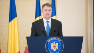 Iohannis a decorat trei supraviețuitori ai Pogromului de la Iași