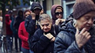 Yey, nu mai suntem săracii Europei!