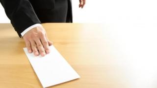 Val de demisii în Parlament