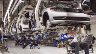 VW face ce face și face iarăși Golf-uri