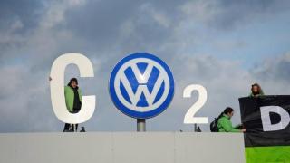 Dieselgate - investitorii cer 8,2 miliarde euro de la VW