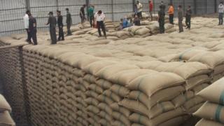 42 de ani de închisoare pentru fraudă cu... orez