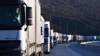 6.000 de tiruri, printre care și românești, blocate în Bulgaria și Grecia