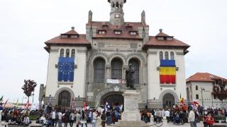 9 mai - Triplă sărbătoare pentru români