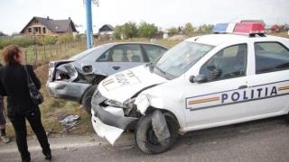 Accident rutier grav! Doi polițiști și un rezervist MAI, la spital!