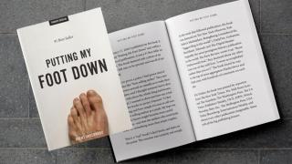 A devenit autor de bestseller pe Amazon cu o carte ce conţine o singură pagină: o imagine a piciorului său!