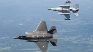 Aeronavă americană, interceptată de avioane chineze