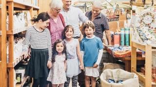 Afacerile de familie țin cu dinții de profit