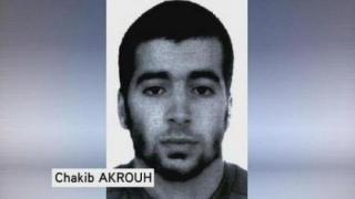 A fost identificat atacatorul sinucigaş de la Saint-Denis