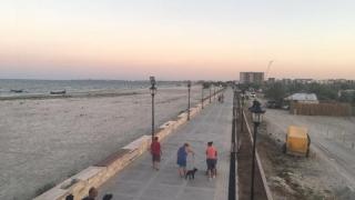 Agenții economici din Năvodari vor o asociaţie a utilizatorilor de plajă