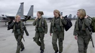A început recrutarea femeilor pentru toate posturile de luptă din armata SUA