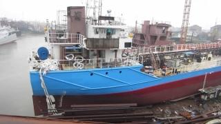 Alba-neagra cu un tanc petrolier malaezian