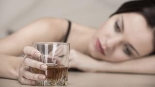 Cum poate fi combătut alcoolismul? Specialiștii ne dau sfaturi!