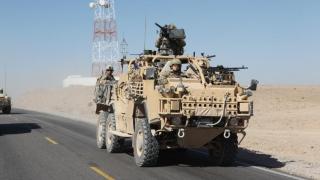 Alianța arabo-kurdă care luptă împotriva SI ar fi primit blindate americane