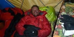 Alpinist american mort pe Everest duminică! Un alpinist indian este dispărut